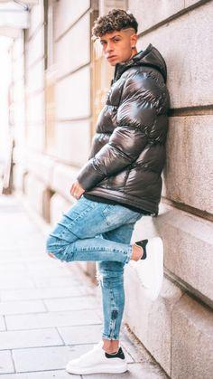 Cool Jackets, Winter Jackets, Black Leather Bomber Jacket, Mens Down Jacket, Hot Teens, Curly Hair Men, Puffy Jacket, Mens Clothing Styles, Hot Boys