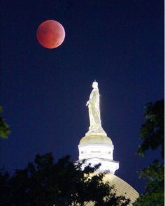 Blood Moon Pictures - Beautiful Photos of the October 2014 Blood Moon