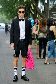 Street Style SS13. I love him and his pink Céline bag.