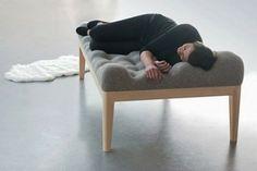Le lit de repos Kulle par Stefanie Schissler/   La designer Allemande Stefanie Schissler nous présente Kulle, un concept original de méridienne rembourrée. L'objectif du projet était de créer un endroit de relaxation ultime, un lieu de « chill-out » dont l'aspect unique, engendre une perception de confort tout en le regardant.