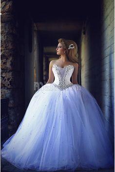Robe de Mariée Princesse Bouffante avec Pailleté sur Bustier à Laçage du Dos