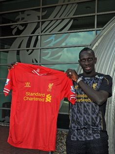 Liverpool signs 23 year old French defender Mamadou Sakho from Paris Saint Germain for a fee of 13 million pounds.