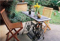 Patio Table from Antique Singer Sewing Machine ACHADOS DE DECORAÇÃO: