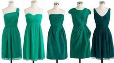 Дамам, которые мечтают выглядеть более стройными, зеленый оттенок подойдет идеально. Лучше всего остановить выбор на малахитовом или изумрудном цвете. Девушки с пышными формами смогут позволить себе даже атласное платье, которое визуально вытягивает силуэт и подчеркивает талию. Источник: http://ayelinta.com/odezhda/platya/s-chem-nosit-zelenoe-plate.html
