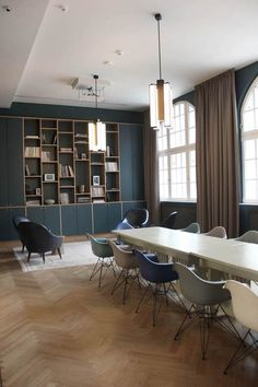 Interior check: visit to the new Hotel Oderberger Berlin - Newniq - Chair Design Design Hotel, House Design, Office Interior Design, Office Interiors, Vitra Chair, Conference Room Design, Bars For Home, New Homes, House Styles