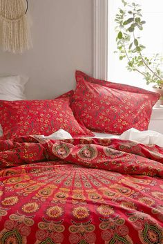 Urban Outfitters Magical Thinking Tapestry Medallion Rd Rouge Duvet Ful/Qn 86x86 in Home & Garden, Bedding, Duvet Covers & Sets | eBay