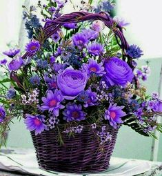 Beautiful Purple Flowers Bouquet For my special friends💜♥️🙋🏻 Beautiful Rose Flowers, Amazing Flowers, Pretty Flowers, Silk Flowers, Purple Flowers, Basket Flower Arrangements, Beautiful Flower Arrangements, Flower Vases, Floral Arrangements