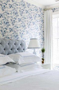 A Classic Colonial by Cece Barfield Thompson The Glam Pad Yatak Odası Pretty Bedroom, White Bedroom, Airy Bedroom, Linen Bedroom, Blue And White Wallpaper, Bedroom With Wallpaper, Beautiful Bedrooms, Boudoir, Bedroom Decor