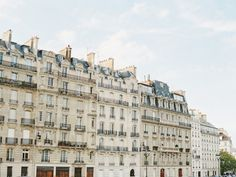 Love Session in Paris with D'Arcy Benincosa Photography | Wedding Sparrow