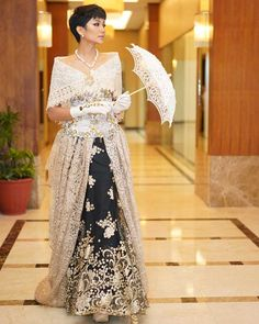 Here's the best maria clara dress in the Philippines. The María Clara gown, sometimes referred to as Filipiniana dress or traje de mestiza Modern Filipiniana Gown, Filipiniana Wedding Theme, Wedding Gowns, Sunday Outfits, Edgy Outfits, Fashion Outfits, Maria Clara Dress Philippines, Filipino Fashion, Dress Sketches