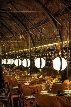 INSIDE-World festival of Interiors- Singapore Vince #MOTT32 il vecchio magazzino che diventa ristorante!  https://www.insidefestival.com/ prossima edizione Novembre 2015