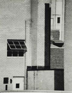 André Kertesz - Brick Walls, New York, October Andre Kertesz, Urban Photography, Street Photography, Straight Photography, Minimalist Photography, Color Photography, Life Photography, Budapest, New York October