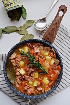 Kociołek dziadka - Z pierwszego tłoczenia Kielbasa, Wok, Stew, Grilling, Recipies, Curry, Food And Drink, Meals, Cooking