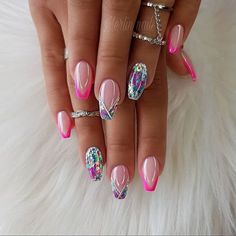 Want some ideas for wedding nail polish designs? This article is a collection of our favorite nail polish designs for your special day. Glam Nails, Pink Nails, Cute Nails, My Nails, Jewel Nails, Red Nail, Black Nail, Nail Manicure, Glitter Nails