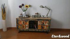 Explosión de color!!!! Que les parece como le quedo el mueble a Vanessa?  Si me encantó cuándo lo entregue ahora que lo decoró me encanta aun más! Que tengáis una buena semana y manos a la obra a empezar nuevos encargos. Color explosion!!!! That seems like I'll take the furniture to Vanessa? If you loved when you give now that he decorated I love even more! May you have a good week and to work to start new orders #pallet #pallets #relax #lamp #colours #color #flowers #lovepallet #recicle…