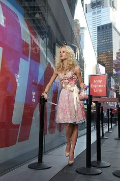 Ophelia Blaimer - Couture - Dirndl - New York Happy Hour - Cosmopolitan