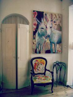 { TheSneakPeaks } - a cool lifestyle blog: {Homes Sweet Homes}_Meinke Flesseman - como recuperar uma cadeira antiga - pintando-a