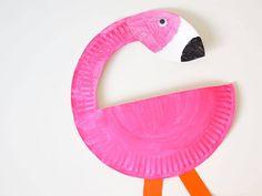 Knutselen met papier. Maak deze toffe flamingo van een kartonnen bordje of één van de andere 9 knutselideeën.
