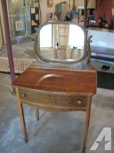 1000 images about bedroom vanities i want on pinterest for Oak makeup table