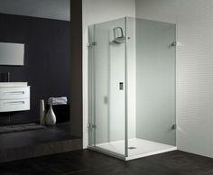 une petite cabine de douche à verre minimaliste