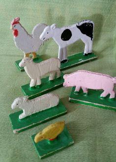 DDR Holztiere... damit habe ich in meiner Kindheit gespielt und ich hab sie sehr geliebt!