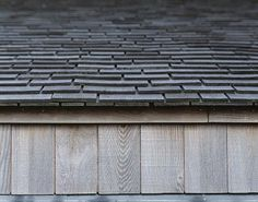 Shingle roof edge detail by, C. Moller Architects - ex. shingle siding and roof Scandinavian Architecture, Timber Architecture, Architecture Details, Architectural Shingles Roof, Cedar Roof, Cedar Fence, Roof Edge, Wooden Facade, Shingle Siding