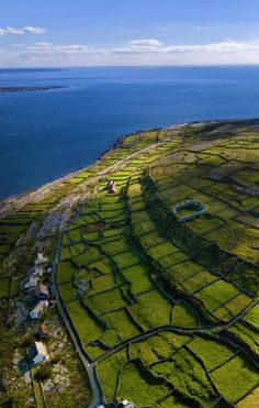 Hit the road to explore charming villages and dramatic landscapes in Ireland Love Ireland, Ireland Travel, Tourism Ireland, Beautiful World, Beautiful Places, Emerald Isle, British Isles, Northern Ireland, Dream Vacations