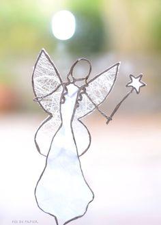 thème Fairy - Fée en découpe de papier collée sous du kraft armé