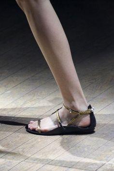 Sandaletti stampa rettile metallizzati oro Lanvin primavera/estate 2015.