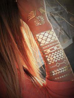Metallic tattoo sheet One sheet of gold metallic tattoos. These are all of the tattoos on the sheet. Not flash tattoos. These are by MetallicTat and they look awesome! Metallic Tattoo, Gold Tattoo, Flash Tattoos, Tatoos, Henna Tattoos, Hippie Style, Bohemian Style, Festivals, Estilo Folk