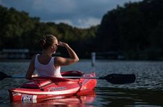 New survey reveals that women who kayak or ski report the highest levels of mental wellbeing Kayak Camping, Canoe And Kayak, Kayak Fishing, Florida Theme Parks, Red River Gorge, Inflatable Kayak, Kayak Tours, Water Activities, Holiday Activities