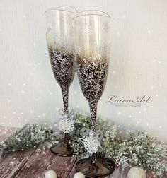 #winter  #wedding #champagne #glasses #winter #wedding #Christmas #wedding #holiday #wedding #champagne #flutes - pinned by pin4etsy.com