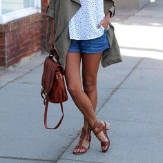@Pursuitofshoes in head to toe JustFab. She's wearing our:  Eyelet Round Hem Tank  Chambray Tie Shorts Drapy Belted Trench  Francois Bag Loumia Sandals