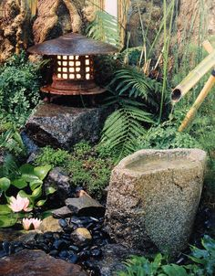 Japanese Rock Garden Ideas The Sound Of Flowing Or Falling Water Adds To The Soothing Nature Of Any Japanese Rock Garden Designs Japanese Maple Garden, Japanese Garden Backyard, Japanese Garden Style, Japanese Garden Landscape, Asian Landscape, Japan Garden, Rock Garden Design, Meditation Garden, Vintage Garden Decor
