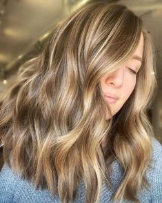 Brown Hair With Blonde Highlights, Blonde Hair Looks, Brown To Blonde, Brunette Hair, Hair Highlights, Partial Highlights, Natural Looking Highlights, Light Brown Highlights, Golden Highlights