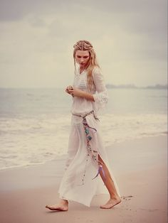 This dress is so serene... plus I wouldn't mind doing exactly this right now