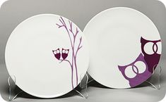 Purple Owl Plates - does it get any bett Painted Mugs, Painted Plates, Ceramic Plates, Decorative Plates, Pottery Painting, Ceramic Painting, Owl Desserts, Purple Owl, Paint Your Own Pottery