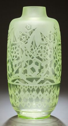 CHARLES CATTEAU OVERLAY AND ETCHED GLASS VASE. Circa 1925, Engraved: C Catteau. 13-1/8 inches high (33.3 cm). ...