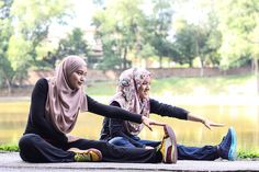 Hijab And Professional Muslim Women Athletes Girl Hijab, Muslim Women, Athletic Women, Journalism, Athlete, Fashion Outfits, Sports, How To Wear, Faith