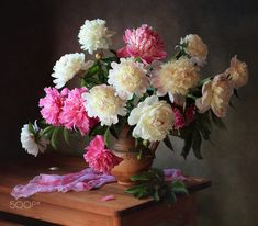 With a bouquet of peonies by Tatiana Skorokhod - Photo 191074481 / Spring Blooms, Summer Flowers, Beautiful Flowers, Botanical Flowers, Flowers Nature, Line Flower, Flower Art, Flower Vases, Flower Arrangements