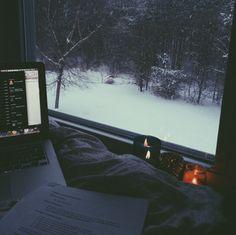 elainaqu:  snowy study day