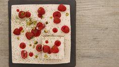 Bavarois à la framboise, pistache et thé Matcha  Videos, séries et émissions sur M6.fr : Bavarois à la framboise, pistache et thé Matcha une recette de Le meilleur pâtissier l'émission sur M6 http://www.m6.fr/emission-le_meilleur_patissier/recettes-de-cuisine/framboise/162985-bavarois_a_la_framboise_pistache_et_the_matcha.html#ixzz3IH1FoYcN