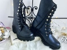 ghete din piele naturala Combat Boots, Blog, Shoes, Fashion, Moda, Zapatos, Shoes Outlet, Fashion Styles, Combat Boot