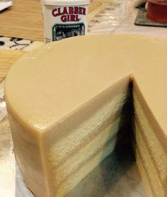 Gula Melaka Kaya Cake - use recipe for plain sponge Pandan Layer Cake, Layer Cakes, Baking Recipes, Dessert Recipes, Resep Cake, Steamed Cake, Jelly Cake, Milk Cake, Sponge Cake Recipes