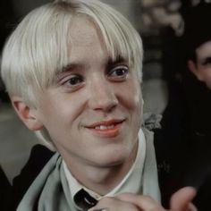 Young Harry Potter, La Saga Harry Potter, Harry Potter Draco Malfoy, Harry Potter Characters, Draco Malfoy Aesthetic, Slytherin Aesthetic, Harry Potter Aesthetic, Tom Felton, Hogwarts