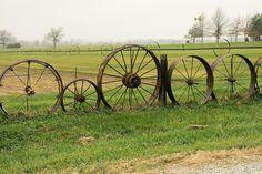 Wagon wheel fencing