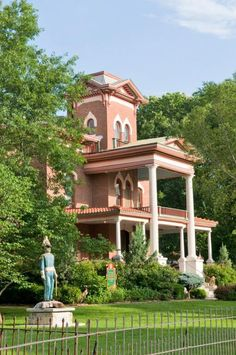 Fort Scott, Kansas: Lyons Twin Mansions Fort Scott Kansas, Kansas Day, Weekend Trips, Weekend Getaways, Most Romantic Places, Romantic Scenes, Places To See, Tourism, Outdoor Structures