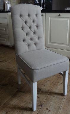 Eetkamerstoel landelijk http://www.atelierdebrocanteopkamer.nl/page/landelijke-eetkamer-stoelen