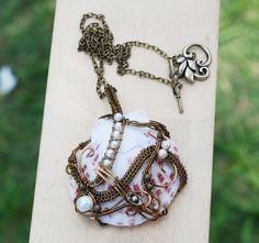 Wire Wrap Big Sea Shell Pearl Bead Ingot Metal Bead Artisan Pendant Necklace #Jeanninehandmade #Pendant