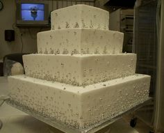 wedding cake with silver dragees